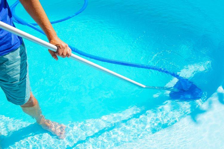 balai-robot-piscine